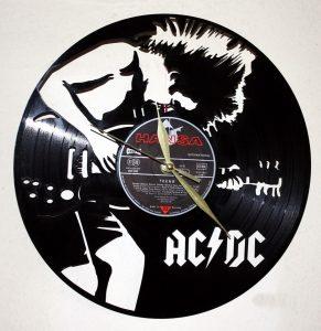AC/DC vynil zidni sat