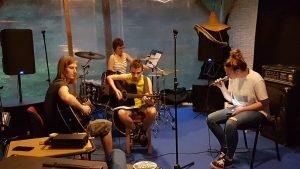 Band oformljen od polaznika tečajeva Glazbene Kuće